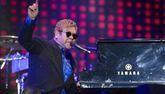 Elton John : Ses concerts à l'Accor Arena sont reportés à 2023