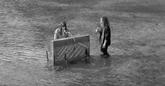 Julien Doré: découvrez le clip de «L'Ile au Lendemain» feat. Clara Luciani