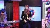 Clara Luciani interprète «La Grenade» et «La Baie» dans les studios de RFM !