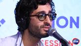 Symon interprète « Paris » et « Complexe »  en session acoustique